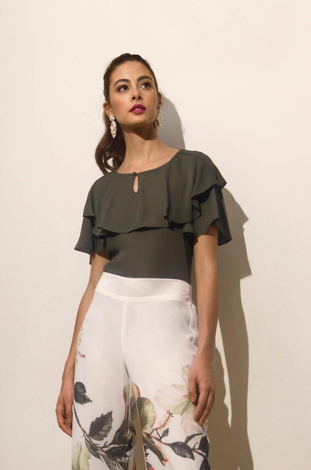 Blusa con boleros en escote y mangas - Chazari 4724-8